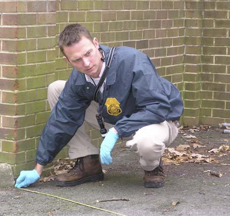 How to Become a Crime Scene Investigator -